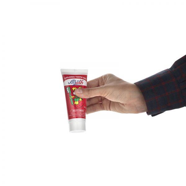 خمیردندان ژلهای کودک بس مدل Strawberry مقدار 80 گرم